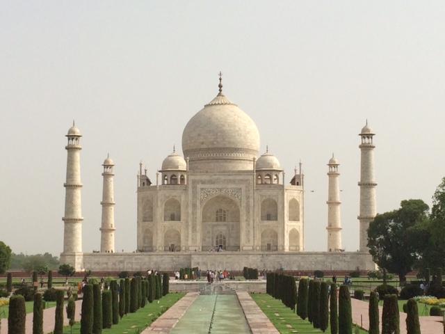 Custom Taj Mahal Essay